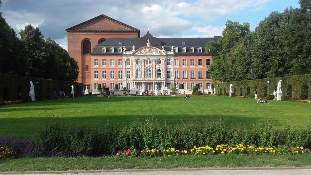 56 palais princier treves
